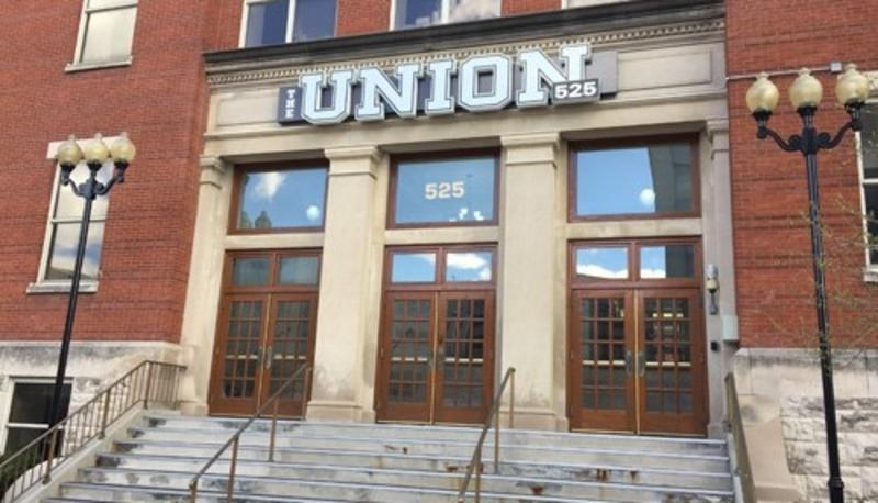 1509103215 union 525 front entrance