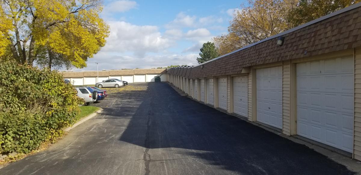 1574180234 20191023 154357 garage view spring manor